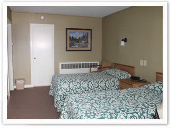 suite-111-bedroom